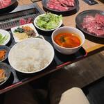 焼肉 叙庵 - 叙庵定食とお肉たち