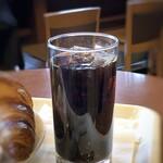新橋珈琲店 - ◆アイスコーヒー・・味わいは普通ですが、タップリ