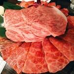 俺の焼肉 - A5ランク黒毛和牛 上焼肉5種盛合せ(600g)