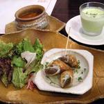 カフェ&ダイニング 990 - お得セットの前菜とスープ