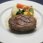 アウラ クチーナ イタリアーナ - 牛ヒレ肉のビステッカ