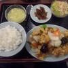 順香 - 料理写真:鶏モモ肉のから揚げと玉ネギピーマンの四川唐辛子入り塩炒め