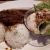 サン コースト - 料理写真:ハンバーグプレート1000円