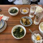 147500316 - セットのザーサイ、ワカメスープ、杏仁豆腐、ご飯
