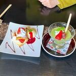 147504455 - デザート 苺のミルフィーユ(ハーフ)と抹茶ババロア