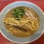 秀楽 - 縮れ中太麺