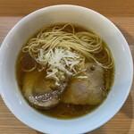 ラーメン ガモウスマイル - 平打ちストレート中太麺