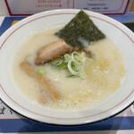やさしい、とんこつ 麺 かまくら  - 料理写真: