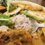 curry&quiche&bar たかおかcafe - 堤防のご飯は、こんな感じ。 カレールーと合う炊き上がり♪