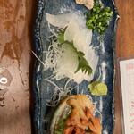 忠助 - カワハギ刺 赤貝刺