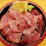 14757310 - 本鮪トロ鉄火丼 2700円。