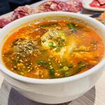 焼肉かまくら本店 - カルビクッパ ♪ 椎茸、筍も入ってます。 柔らかなコロコロカルビ肉も美味しい。