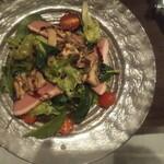 Kagurazaka Italian - 鴨とキノコのサラダはボリューミー