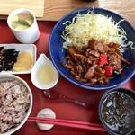 茶寮 伊勢藤次郎 - アオサ味噌汁、茶碗蒸し付き