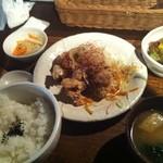 kawara CAFE&DINING - 若鶏の唐揚げ定食 (780円)