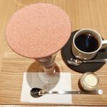 吉祥菓寮 - 4種のチーズといちごのパフェ¥1650(ドリンク別)