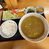 Yoshikawaya - 料理写真:カレーきしめん 550円+ライス、小鉢、おかず 300円