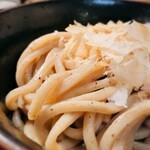 147604272 - 自家製麺つけ麺 紅葉@国分寺 変り麺(鶏節煮干し麺) アップ