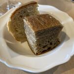 147618533 - 自家製国産小麦のパン