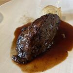 147618542 - 牛ホホ肉の赤ワイン煮込み