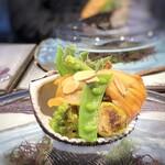147618773 - *この「赤貝」素晴らしい、この厚み・旨味の品は初めてかも。 この数年では一番美味しい「赤貝」ですね。 添えられた「分葱」「芽キャベツ」などと辛子酢味噌で頂くと、とても美味しい。これも感動しました。