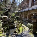 sute-kihausuminami - 中庭 桜の時期と紅葉の時期がおすすめだそうです