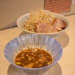 陸 - 料理写真:つけ麺