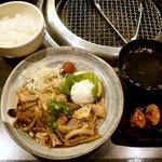 14765993 - ホルモン焼き定食 ¥850