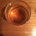147657073 - 文京区の美味しい麦茶。