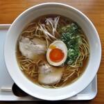 梟 - 料理写真:醤油ラーメン 800円