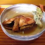 """千松しま - ご當地では喉が黒いことから""""のどぐろ""""と称されている赤めばる系の煮魚。"""