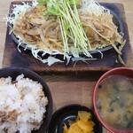 青空食堂 - 料理写真:とりみそ定食(肉ふつう)700円