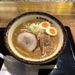 金澤味噌ラーメン 神仙 - 味玉味噌ラーメン(税込み880円)