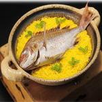 割烹竹万 - 料理写真:お祝いの定番!自慢の鯛ご飯