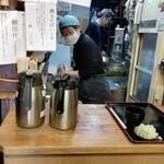 京橋 恵み屋 - 厨房カウンター