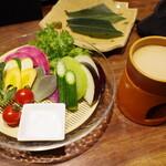銀ゼロ - 新鮮旬野菜のバーニャカウダ