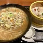 中国料理 味道 - 麺セットの中から「野菜味噌麺+点心の三種盛り」880円也+税。