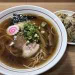 谷島屋 - ラーメンとミニチャーハンセット(830円)
