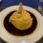 美女と野獣のカフェ・レストラン ビューティー&ザ ビースト - 2021/3/8 ランチで利用。 ベルのオムライス〜赤ワイン香るデミグラスソース〜