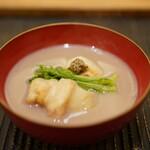 魚菜料理 縄屋 - 蟹の蕎麦粉揚げ:白味噌仕立て