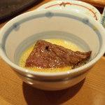 焼肉 金山商店 - 中ロース(卵付き)