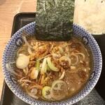 京都 麺屋たけ井 - 辛つけ麺変更のスープ。具沢山で良し!