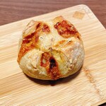 147745165 - ブルーチーズとたまねぎのパン