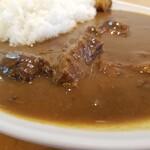 147748323 - 国産黒毛和牛カレー 中辛 1,300円スープ付き 1,200円単品
