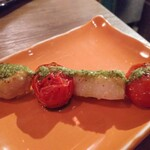 魚串さくらさく立川 - すずきとトマトのバジルソース240円