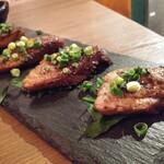 魚串さくらさく立川 - 炙りマグロステーキ638円