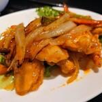 石鍋料理 健 - 令和2年11月 ランチタイム 健の彩り日替わり定食 鶏胸肉のチリソース炒め 税込700円
