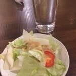 逸品飲茶縁茗 - セルフサービスのサラダ ゴマドレッシング