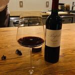 山地陽介 - ⑤ Poupille(プピーユ)ボルドー産シャトーペトリュスと同格と言われ奇跡のワインと称されるらしいです。程良いタンニン、しっかりしたフルボディ。
