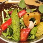 神保町 傳 - 2012.9)朝採れ野菜のサラダ